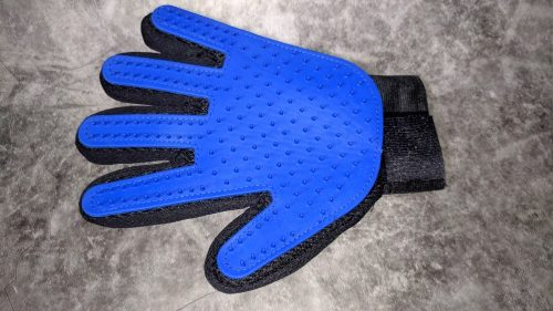 Silicone Pet Brush Glove For Grooming photo review